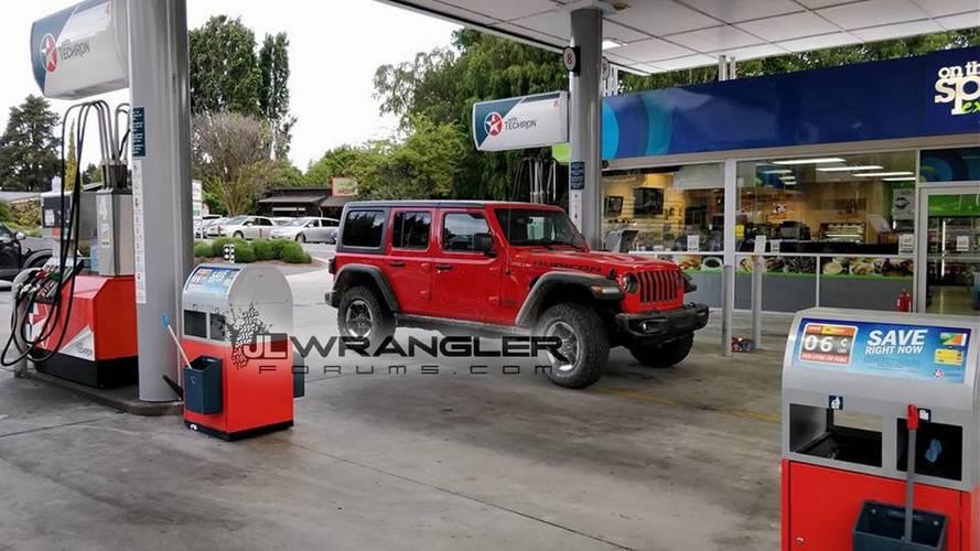 2018 Jeep Wrangler Unlimited ve Rubicon yolda görüntülendi