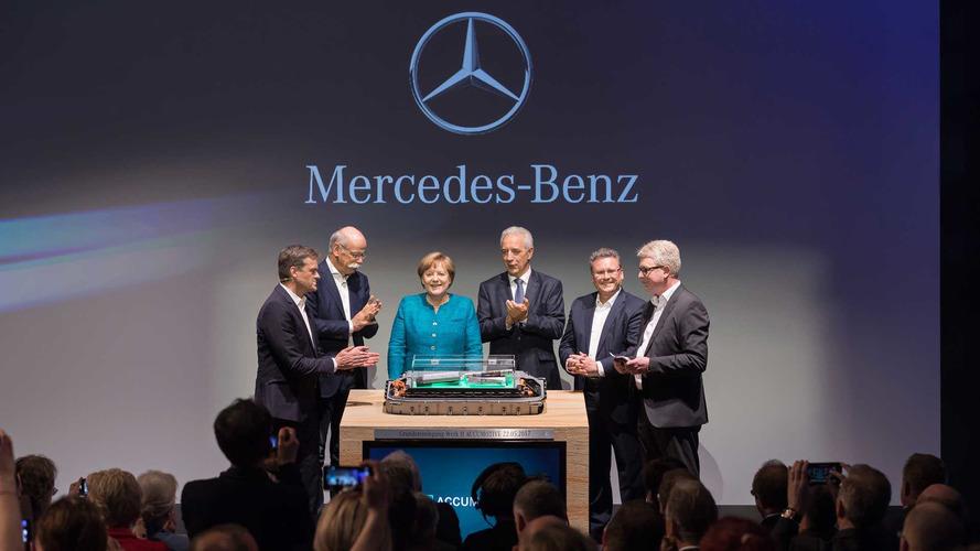 Daimler Targets Tesla, Breaks Ground On Big New Battery Factory