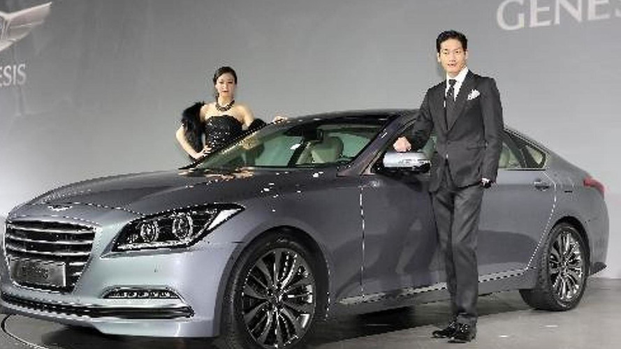 2014 Hyundai Genesis showcased in several videos