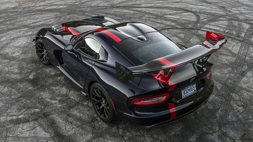 Dodge Viper ACR gets dissected by Engineering Explained