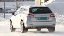 Peugeot 508 SW Allroad spied 09.02.2011