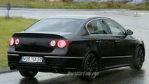 SPY PHOTOS: VW Passat R 36 Saloon