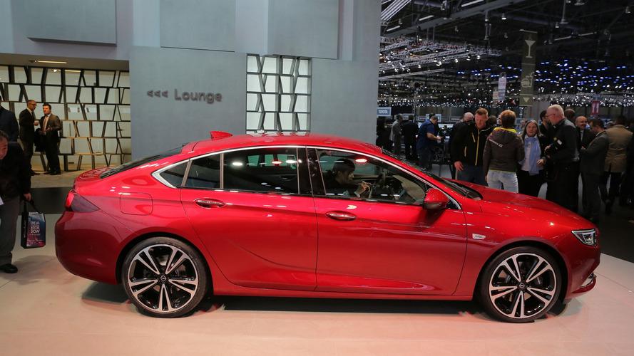 2017 Opel Insignia lands in Geneva as an appealing Passat rival