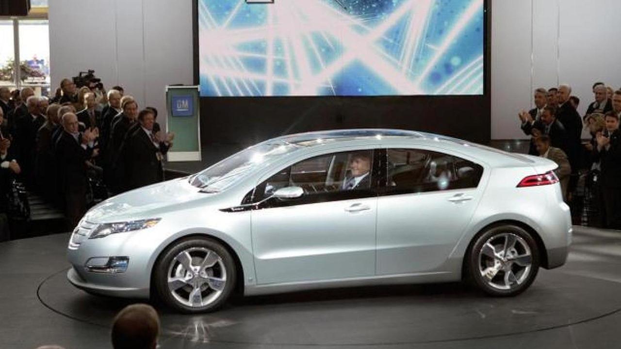 Bob Lutz introducing the Chevrolet Volt