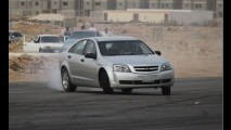 Arábia Saudita criminaliza drifting em vias públicas; prática rende multa e até prisão