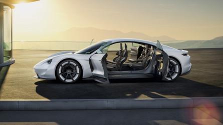 Porsche, una su due sarà ibrida o elettrica entro il 2025