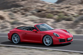 Examining the Differences Between the Old and New Porsche 911 Carrera