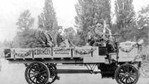 Daimler presented five-tonner in Paris, 1898
