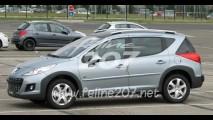 Na Europa: Peugeot 207 SW Outdoor atualizado é flagrado sem disfarces