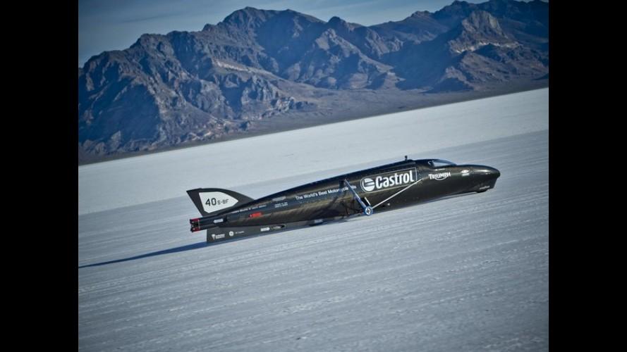 Triumph e Castrol querem bater recorde com supermoto a 644 km/h!