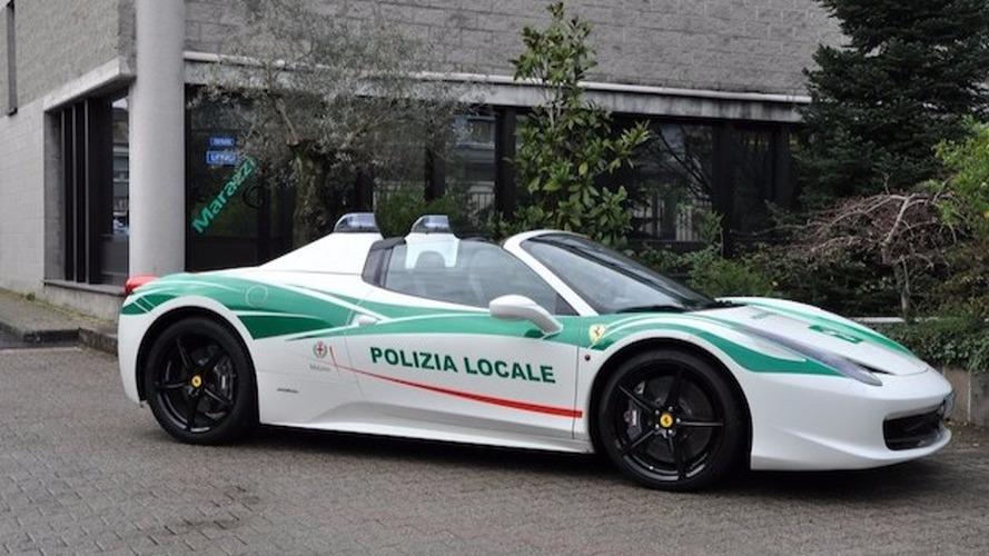La police milanaise transforme la Ferrari 458 Spider d'un mafieux