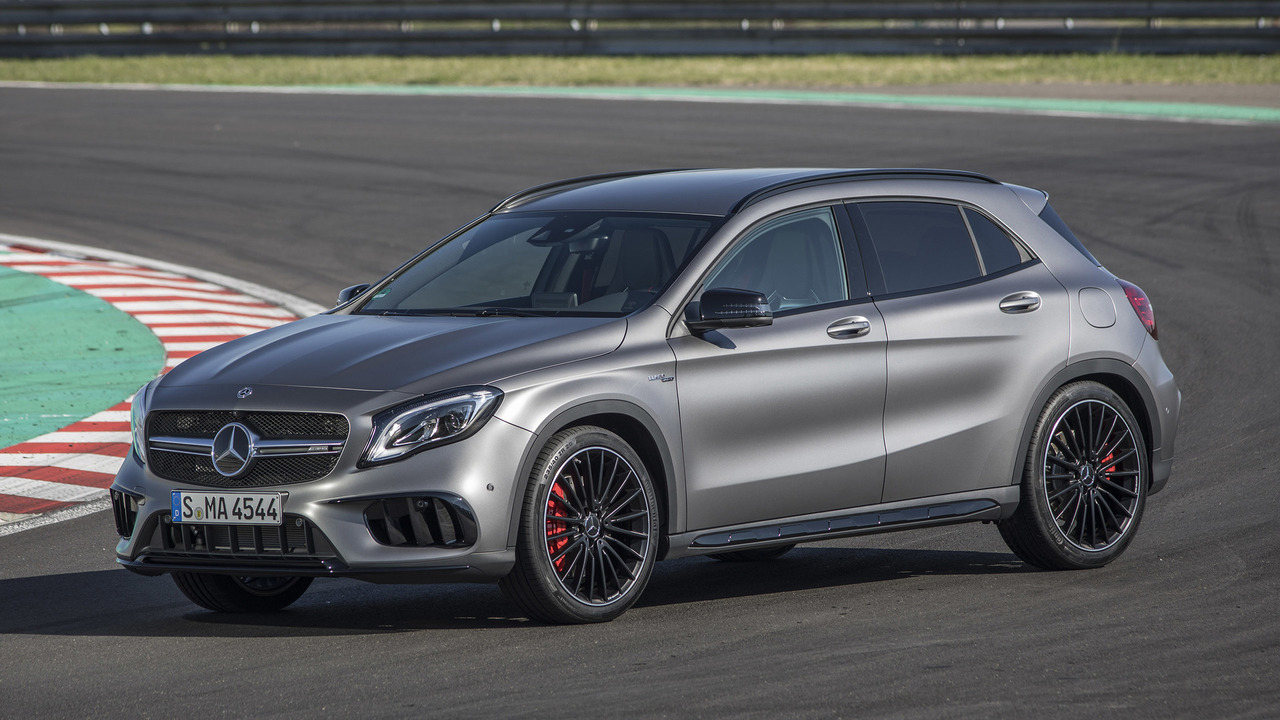 2018 mercedes amg gla45 first drive when luxury car meets hot hatch. Black Bedroom Furniture Sets. Home Design Ideas