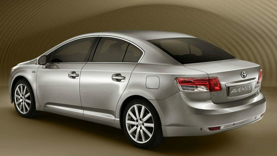 Paris Preview: Toyota to Unveil all-new Avensis along with Production Urban Cruiser & IQ