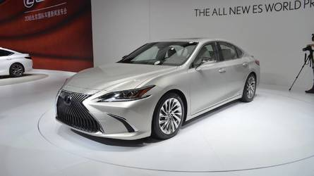 2019 Lexus ES Debuts With Larger Size But Sleeker Look