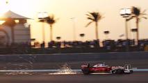Kimi Raikkonen, Ferrari SF16-H kıvılcım çıkartıyor