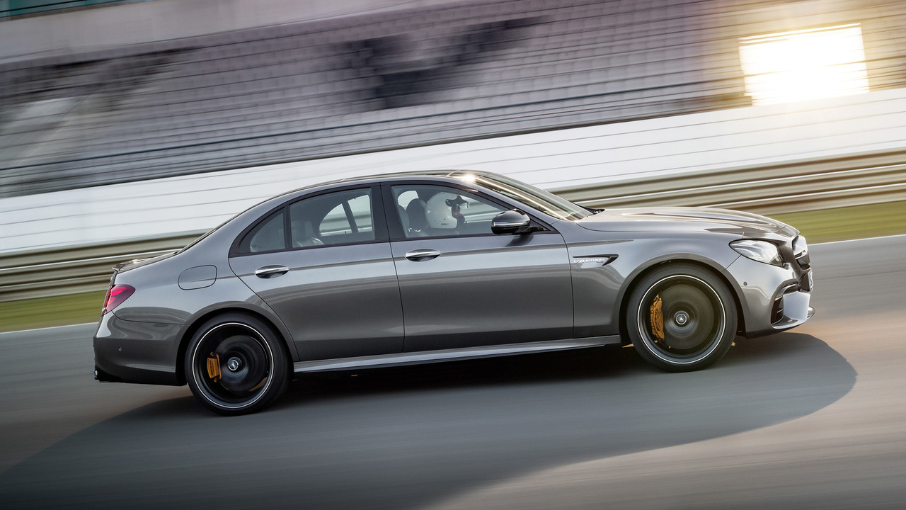 2018 mercedes amg e63 revealed with 603 hp and drift mode. Black Bedroom Furniture Sets. Home Design Ideas