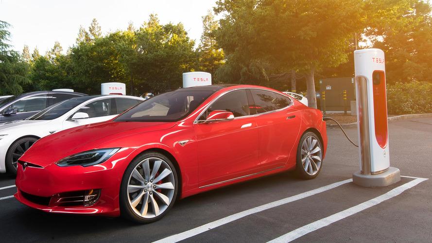 Tesla P100D - Une fonction cachée pour être plus rapide qu'une hypercar !