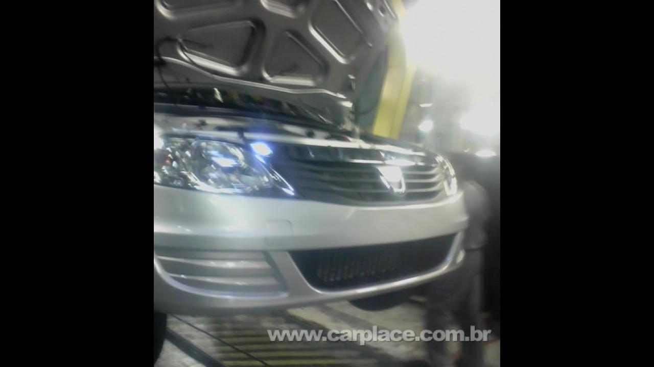 Fotos do Novo Logan 2009 reestilizado vazam da fábrica da Dacia na Romênia