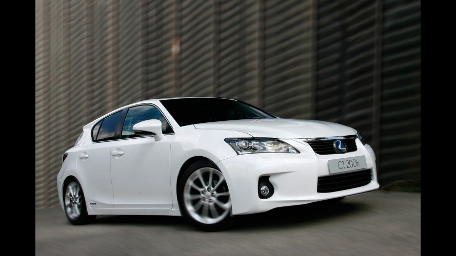 Lexus: dal 2013 solo ibride