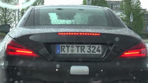 Mercedes-Benz SL facelift spied from behind on a rainy day [video]