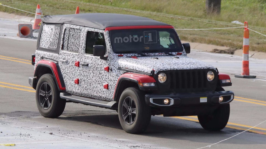 Jeep Wrangler Fleet Spied On The Move, Including Soft Top Models