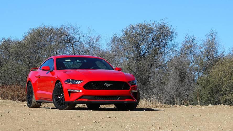 Ford Mustang entra em pré-venda por R$ 299.900
