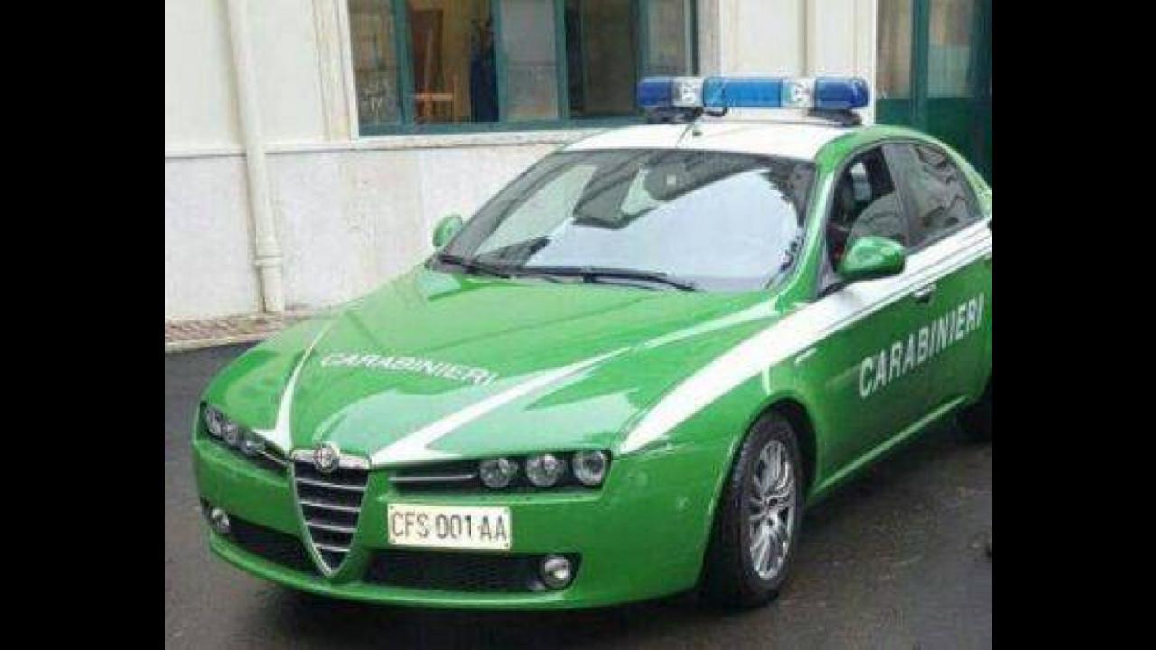 Le auto del Corpo Forestale diventano dei Carabinieri 001