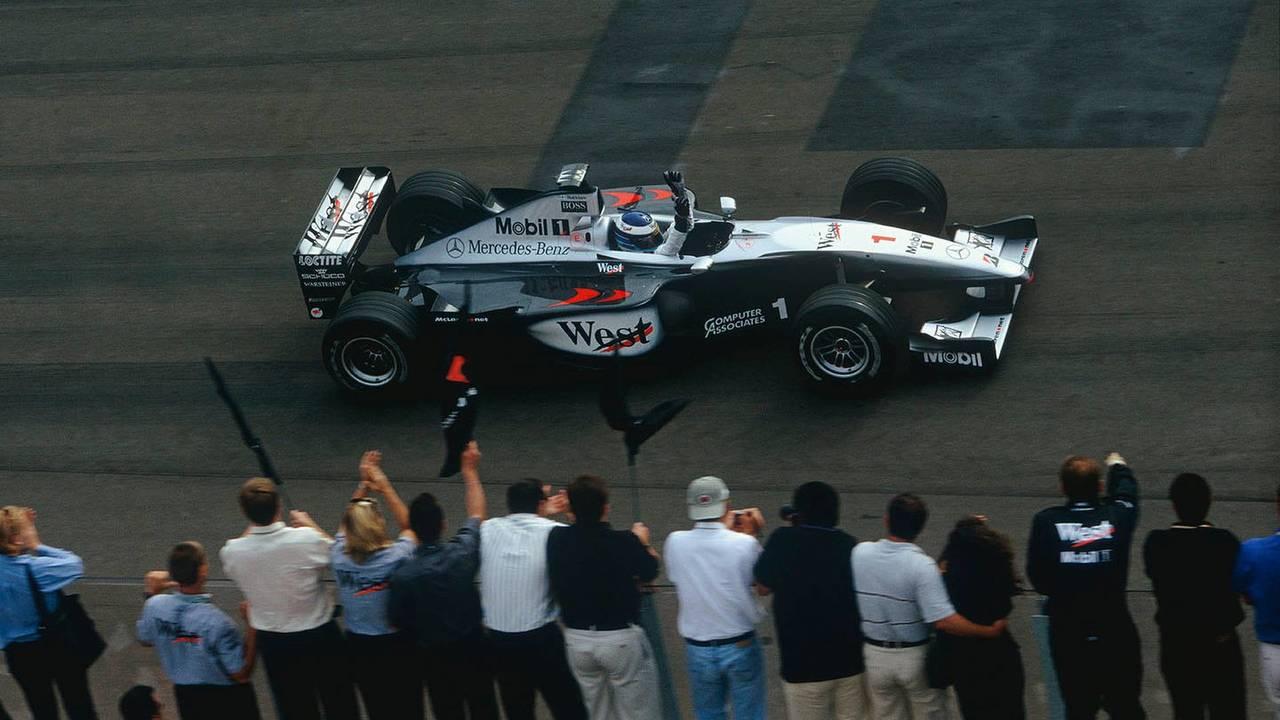 15. El McLaren MP4/14-Mercedes de F1