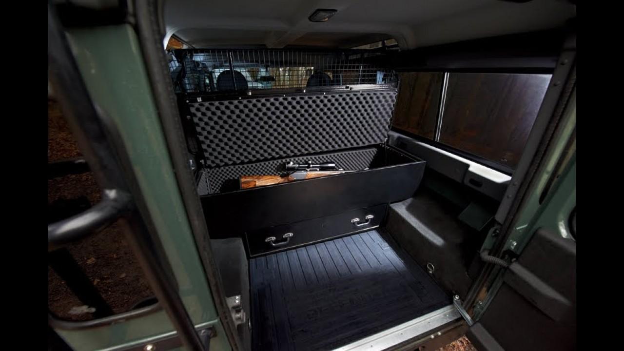 Land Rover Defender ganha série especial Blaser Edition na Alemanha