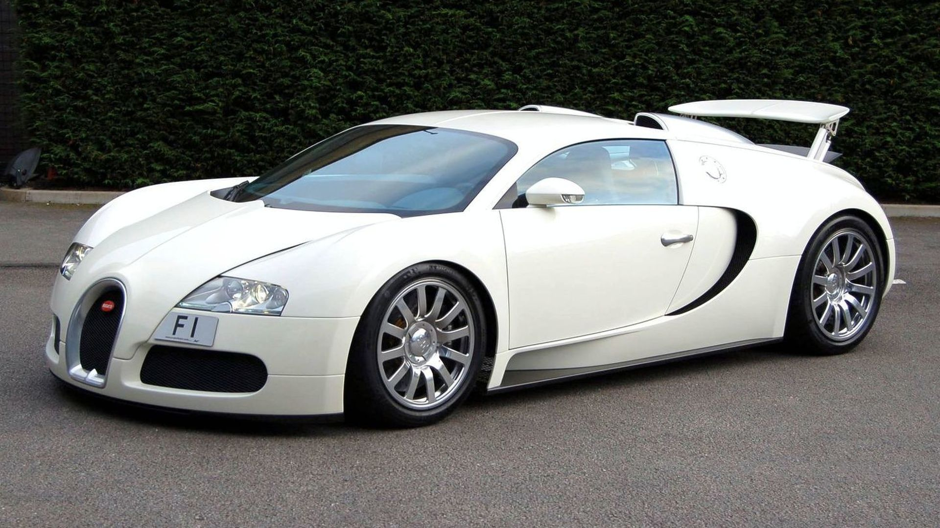 F1 tagged bugatti veyron set for mph show appearance product 2009 10 20 22 21 32