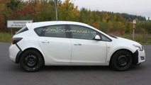 Mystery Opel Mule Spied Using Modified New Astra Body - 10.08.2009