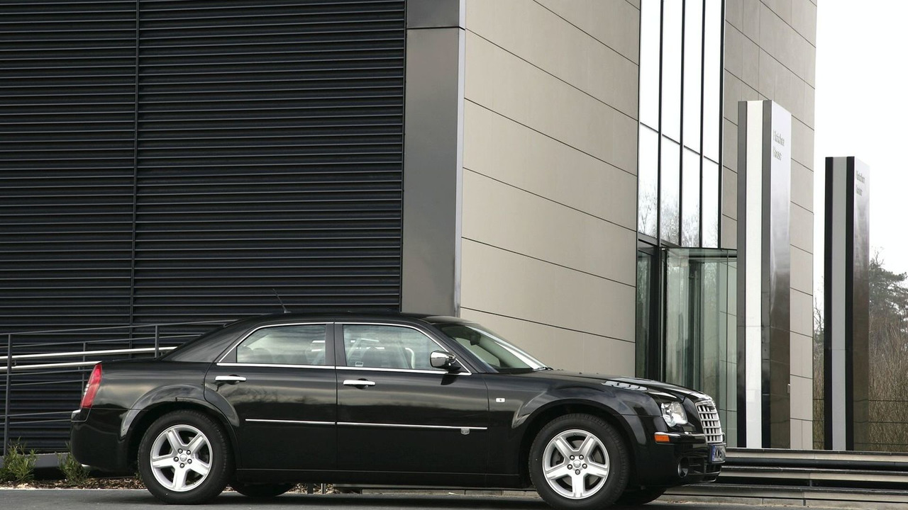 Chrysler 300C 2010MY