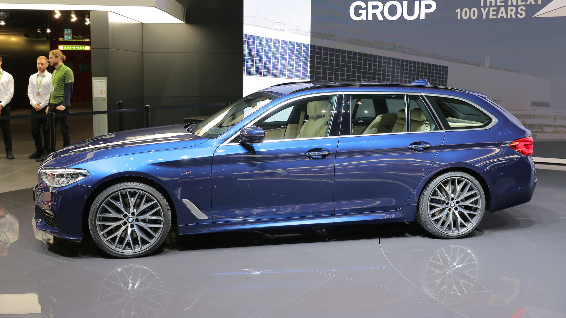 2017 bmw 5 series touring is the sexy wagon america will. Black Bedroom Furniture Sets. Home Design Ideas