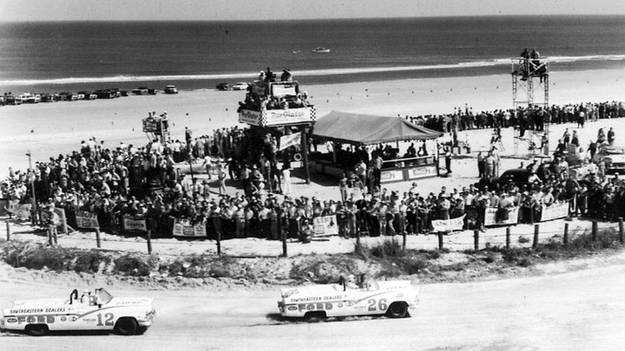 1. 1956 Ford Sunliner