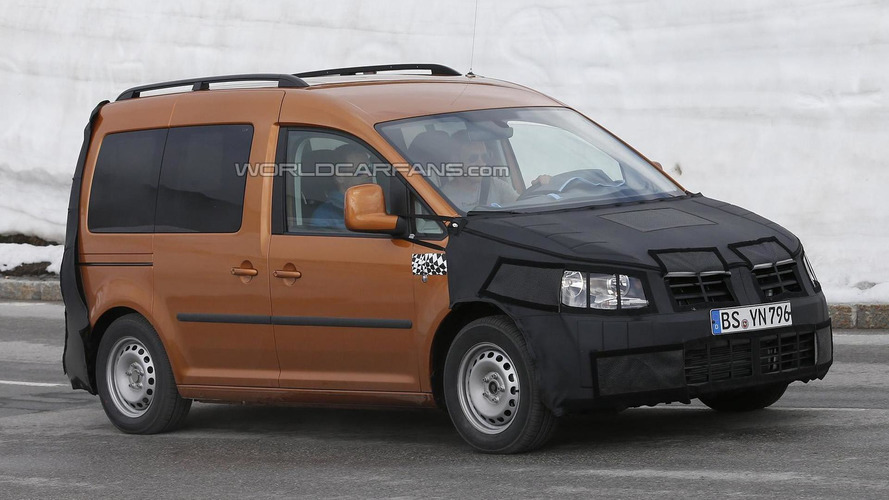 Volkswagen Caddy facelift spied once again