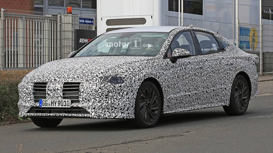All-New Hyundai i40 Spied With Production Body For The First Time