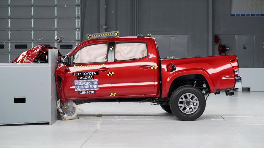 2017 IIHS Mid-Size Pickup Crash Tests