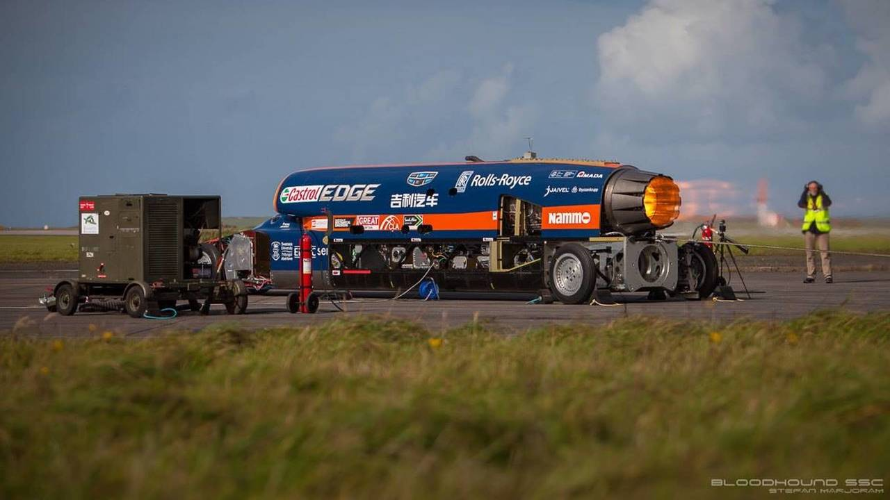Bloodhound fires up its engine