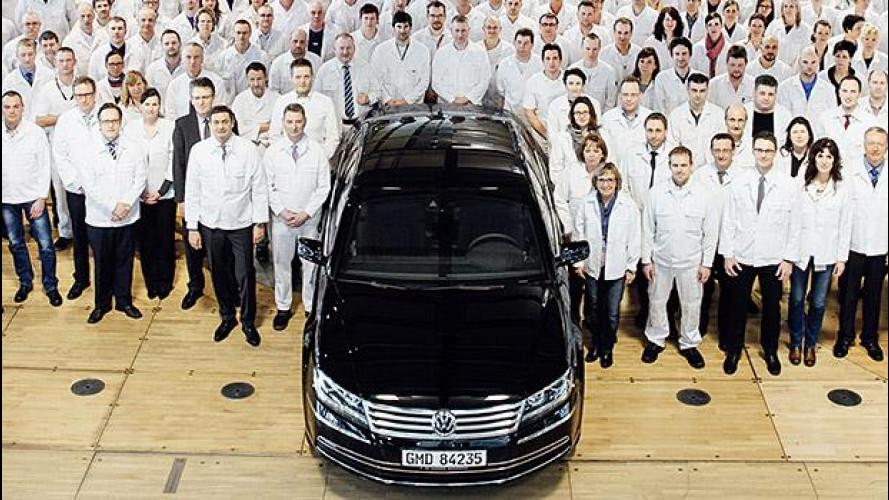 Volkswagen Phaeton addio, la fabbrica trasparente si aggiorna