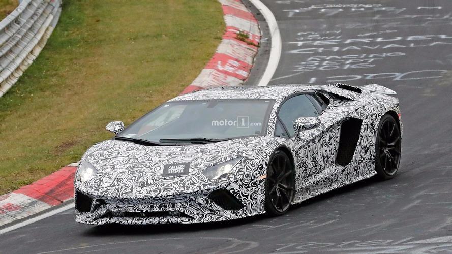 Lamborghini Aventador'un makyajlı hali Nürburgring'de görüntülendi