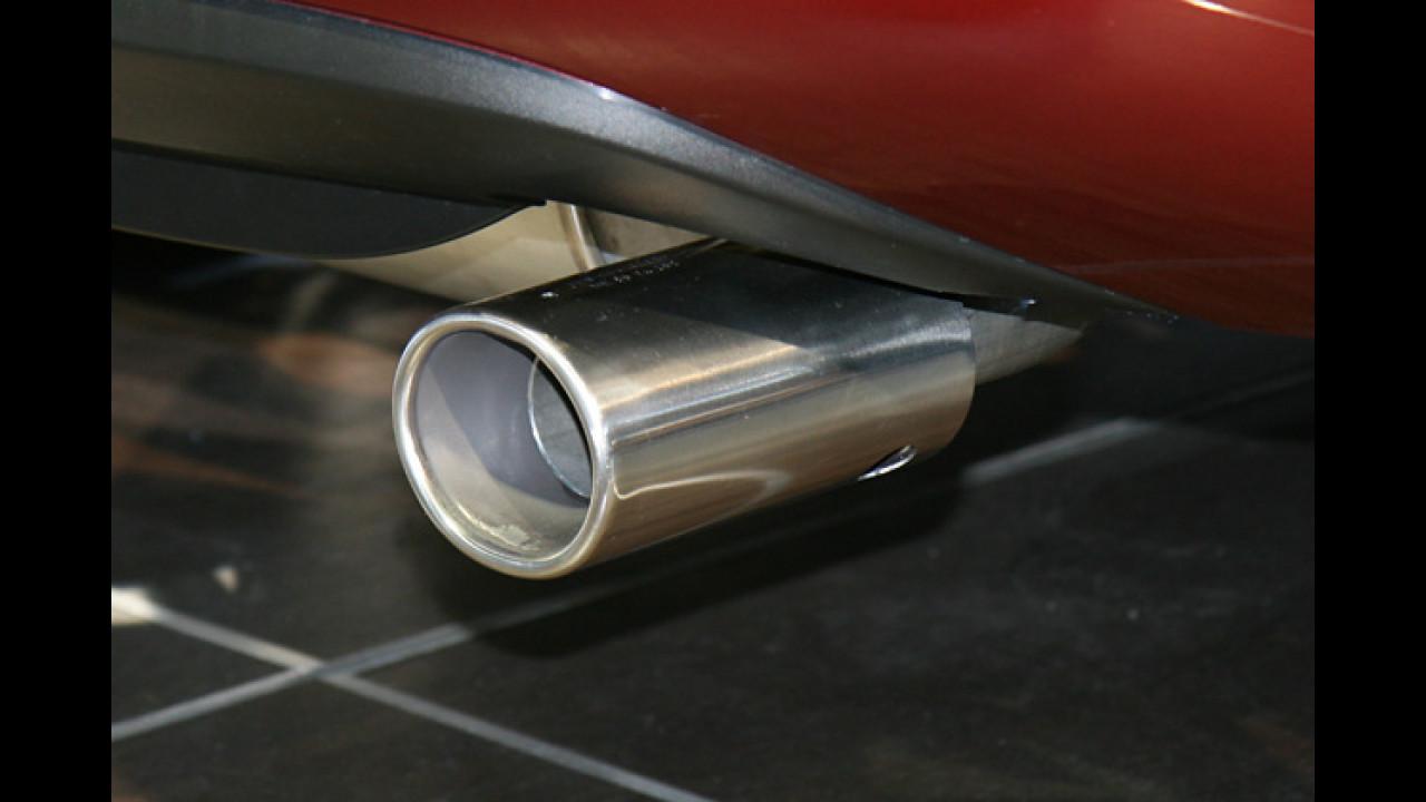 Ein langer, freiliegender Edelstahlzylinder