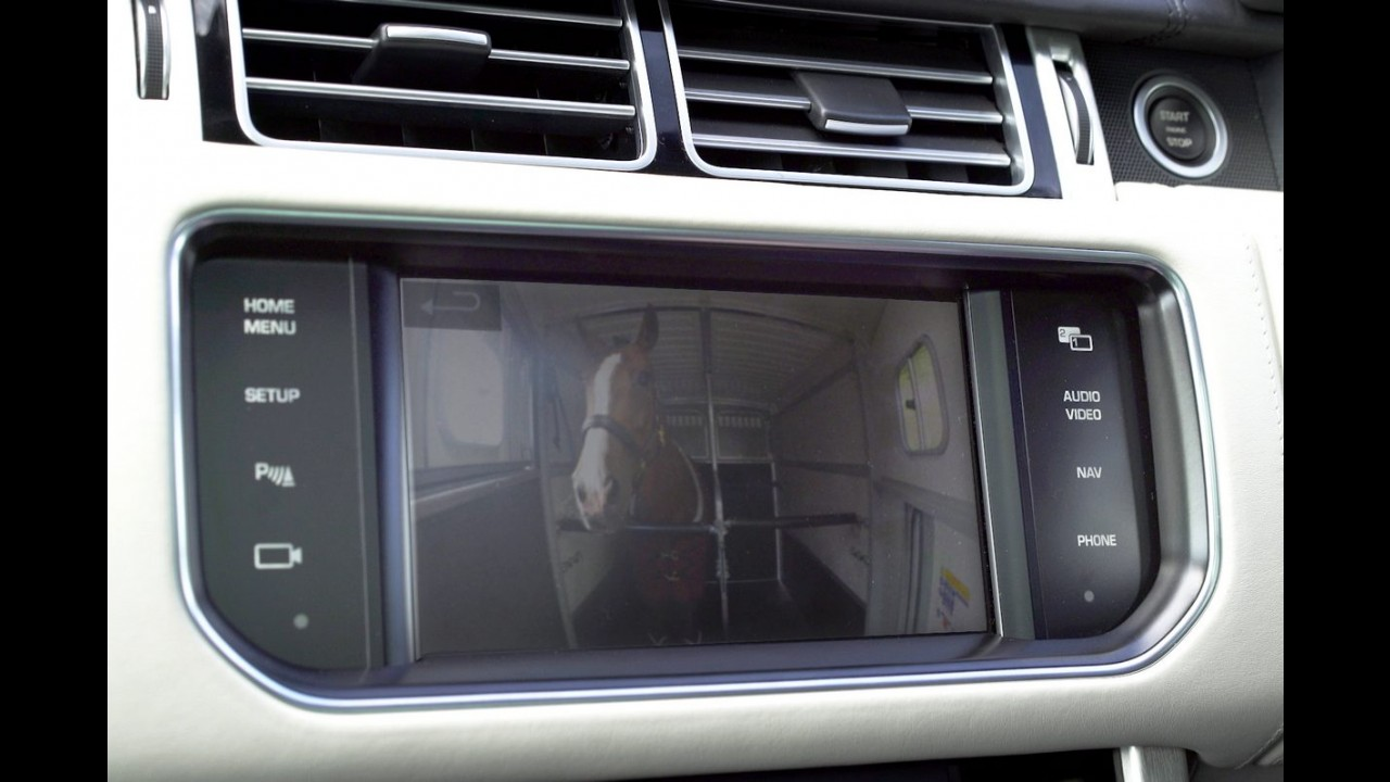 "Land Rover vai mostrar inédito sistema de ""reboque transparente"""