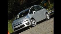 Fit domina entre monovolumes e JAC T8 reina entre minivans em janeiro