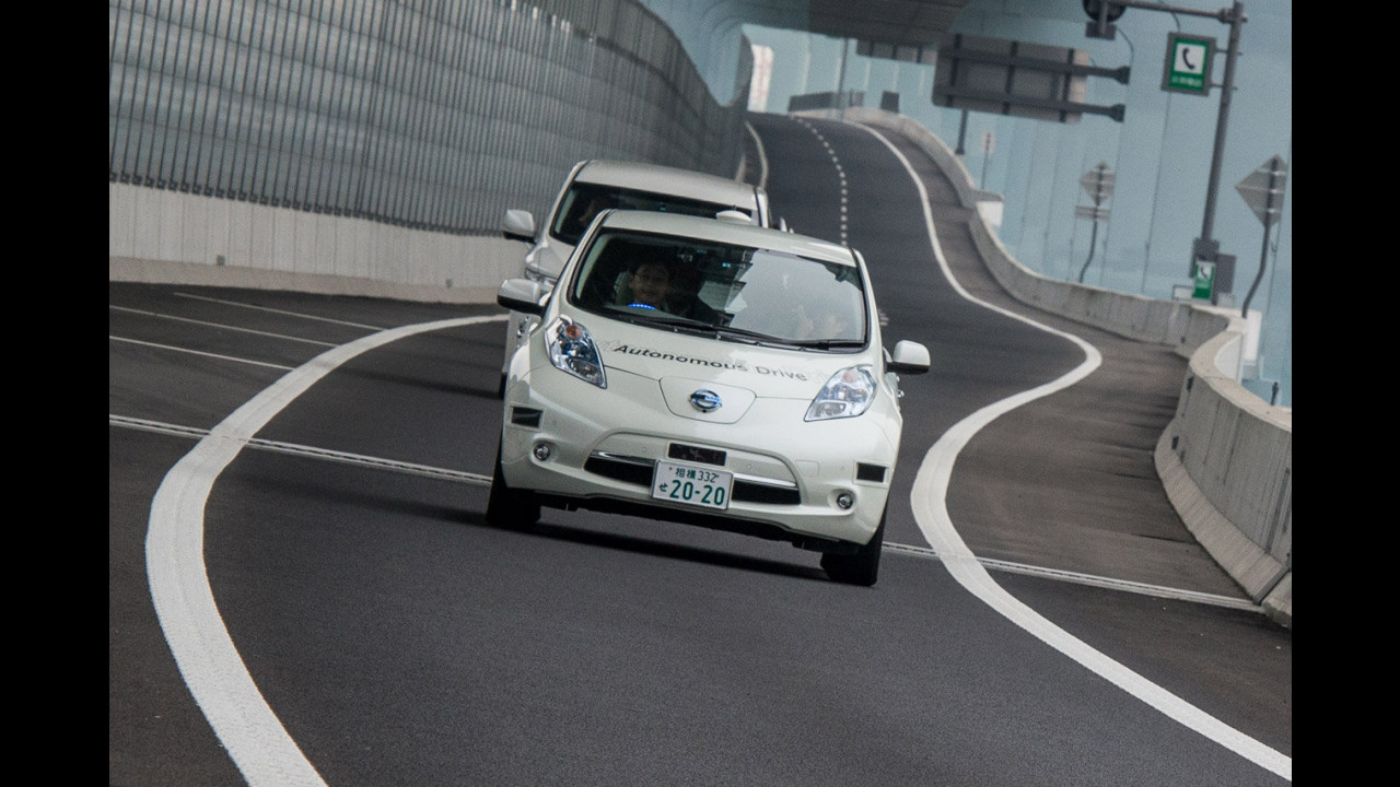 Nissan Leaf, guida autonoma in autostrada