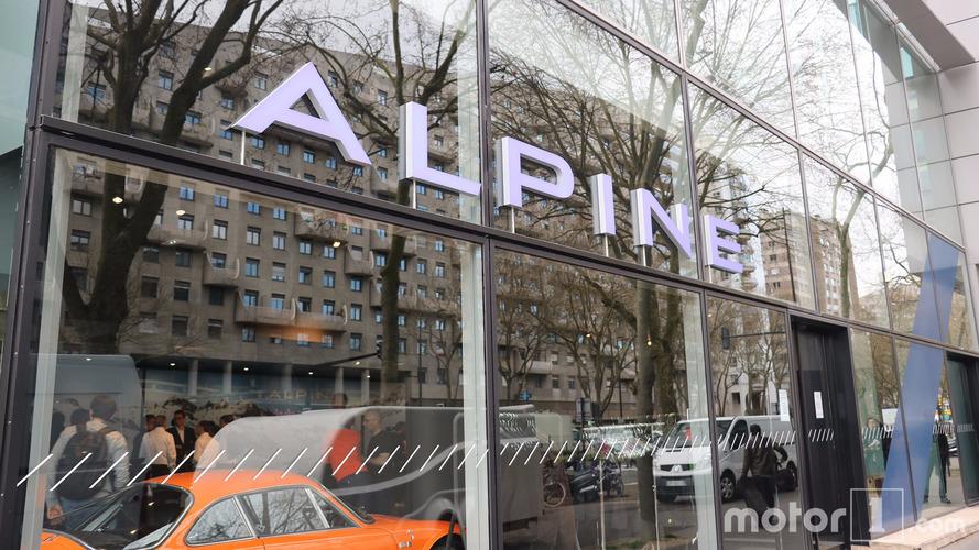Le premier showroom Alpine a ouvert ses portes