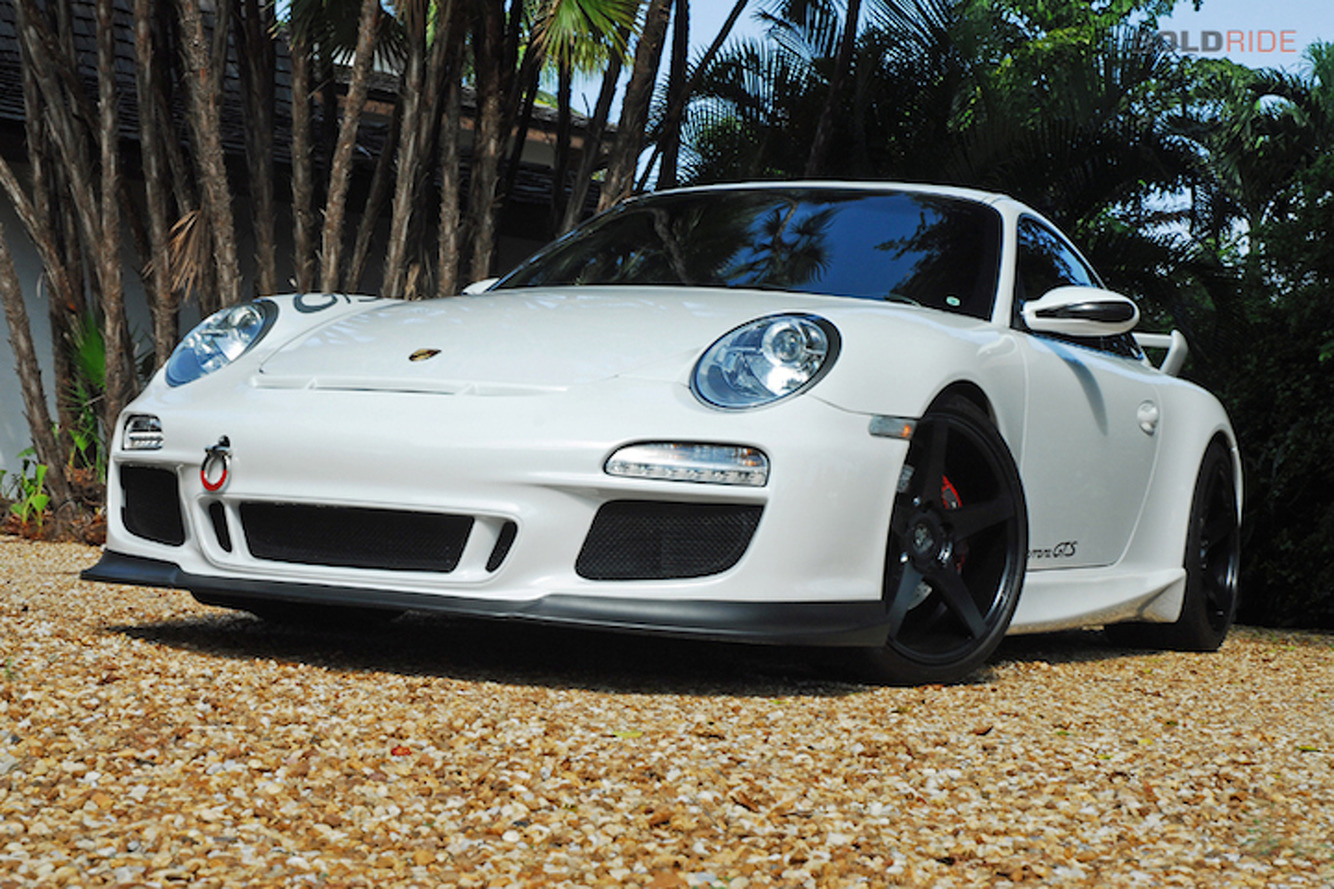 Custom Porsche 911 is a Perfect Tribute to Paul Walker