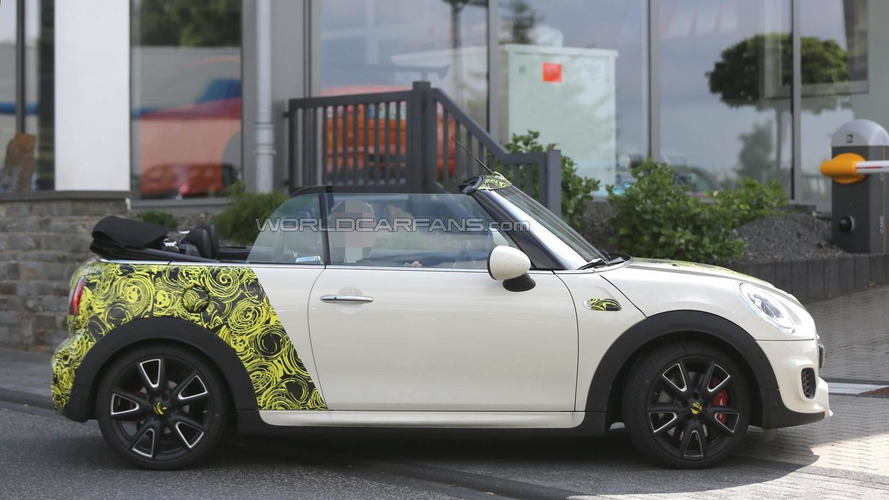 2016 MINI Cooper S Cabrio spied with the top down (23 photos)