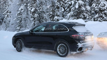 2015 Porsche Cayenne spy photo