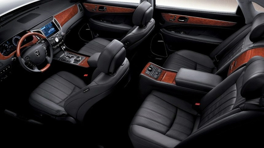 2010 Hyundai Equus: Interior Shots Surface