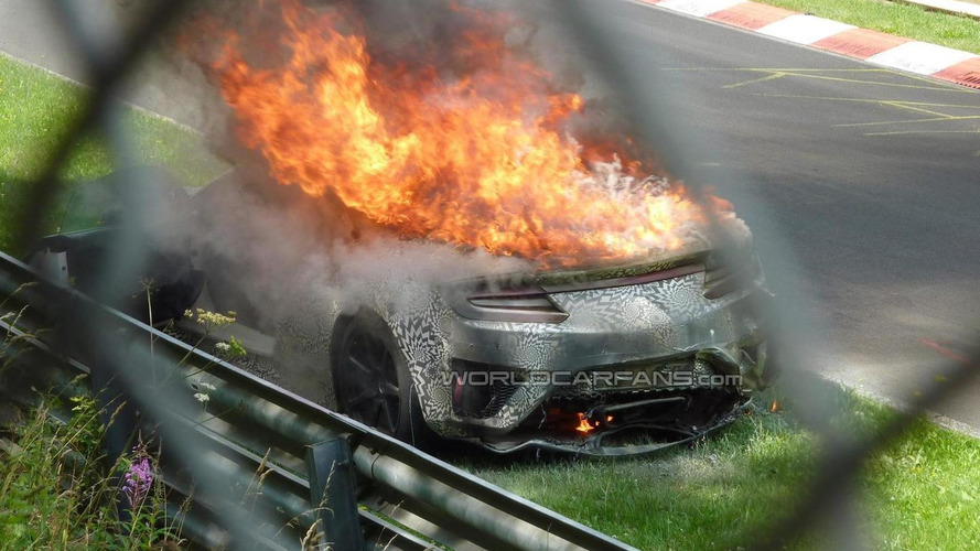 2015 Honda/Acura NSX goes up in flames, two battery explosions to blame